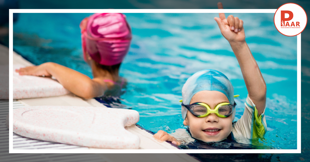 3 Najczęstsze błędy, które rodzice popełniają wybierając szkołę pływania