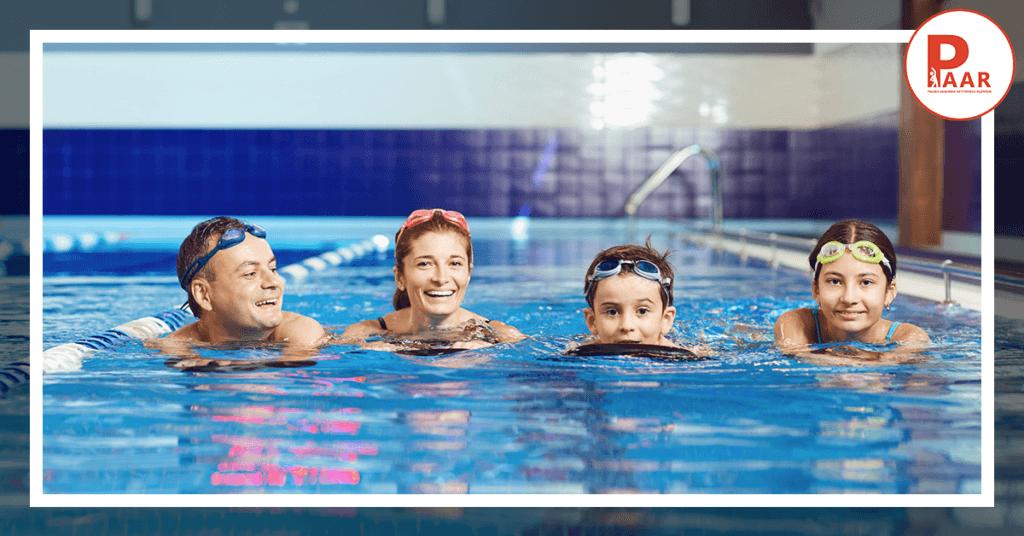 Dzieci czydorośli – kto szybciej nauczy się pływać?