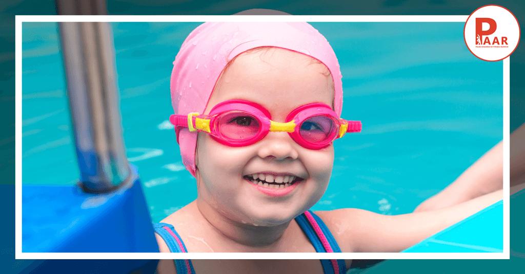 Kiedy warto rozpocząć naukę pływania udzieci?