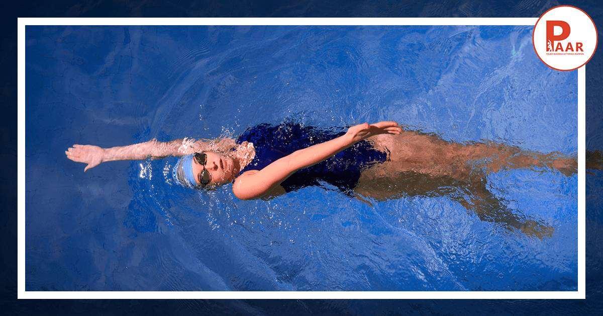 Pływanie stylem grzbietowym