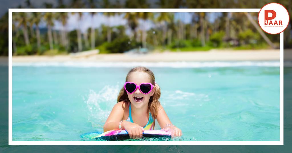 Bezpieczne wakacje czyli jak mądrze wykorzystać umiejętności pływania podczas wakacyjnych wyjazdów?